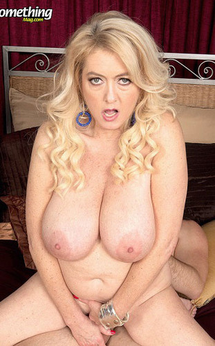Tahnee Taylor – Tahnee the busty, ass fucked MILF – 40 Something mag – FullHD 1080p