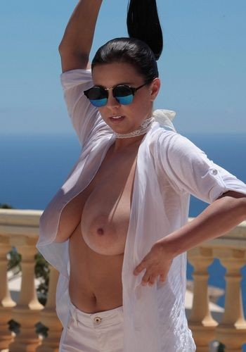 Ewa Sonnet – Busty Girl In Shades showing Huge Boobs