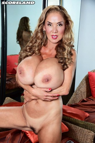 Minka – Silicone Boobs Returns  FullHD 1080p
